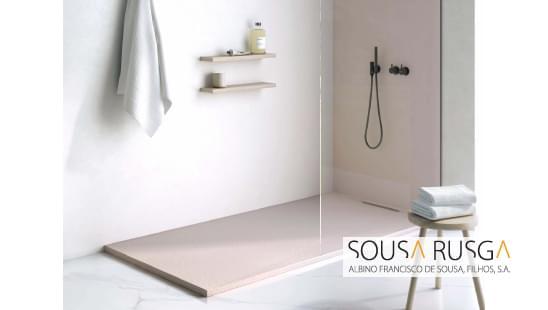 Escolha uma base de duche que permita harmonia com o esquema de cores da sua casa de banho