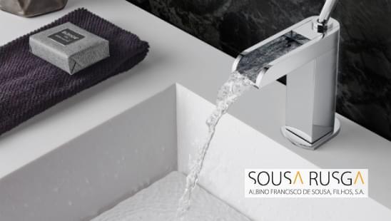 Esta torneira é perfeita para qualquer ambiente e proporciona um equilíbrio entre beleza e função.